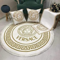 A set consisting of 100 cm carpet, 2 table cover and 2 pillow