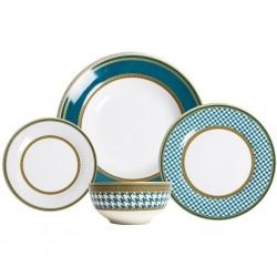 A 24-piece dining set