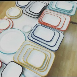 4-course food plates available in several colors