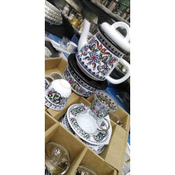 Set consisting of tea cups, number 6 - cups, number 6 plates - number 6 - teapot with heate