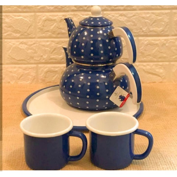 A set consisting of a Turkish teapot - 2 cups - 1 tray
